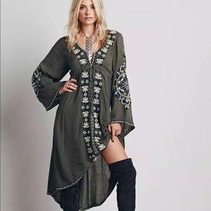 Dresses & Skirts - 🆕Sagebrush Green Embroidered Floral Boho Dress